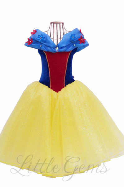 LITTLE GEMS Snow White Ella Style