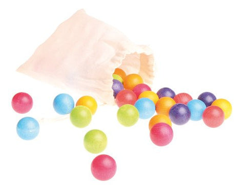 GRIMM'S 35 wooden beads in a small bag, 7 colours
