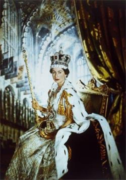 WENTWORTH PUZZLES Queen Elizabeth II in Coronation Robes