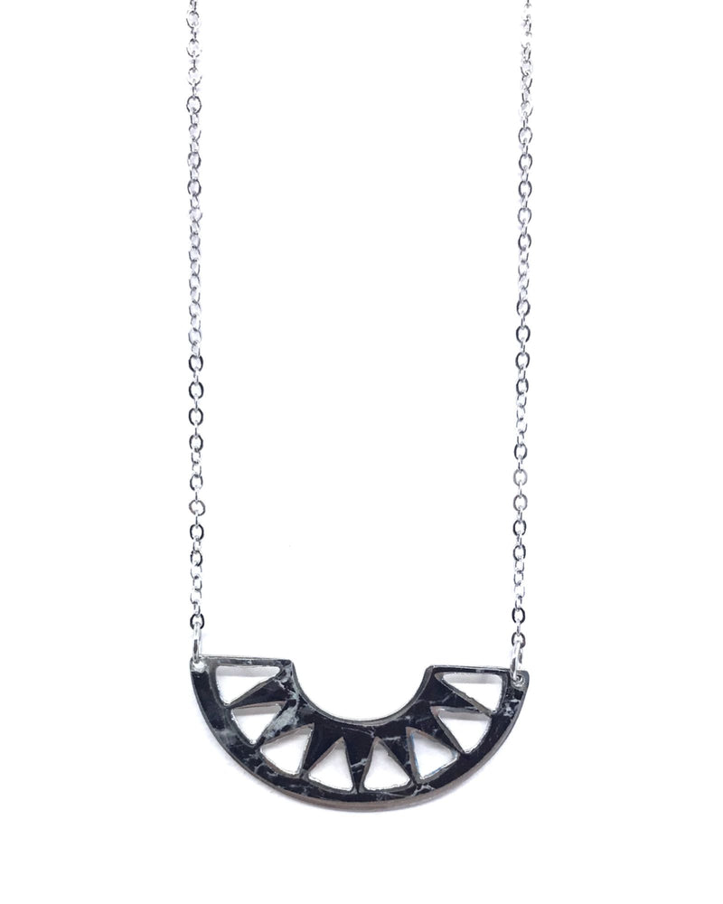 Cora necklace - Black marble pewter