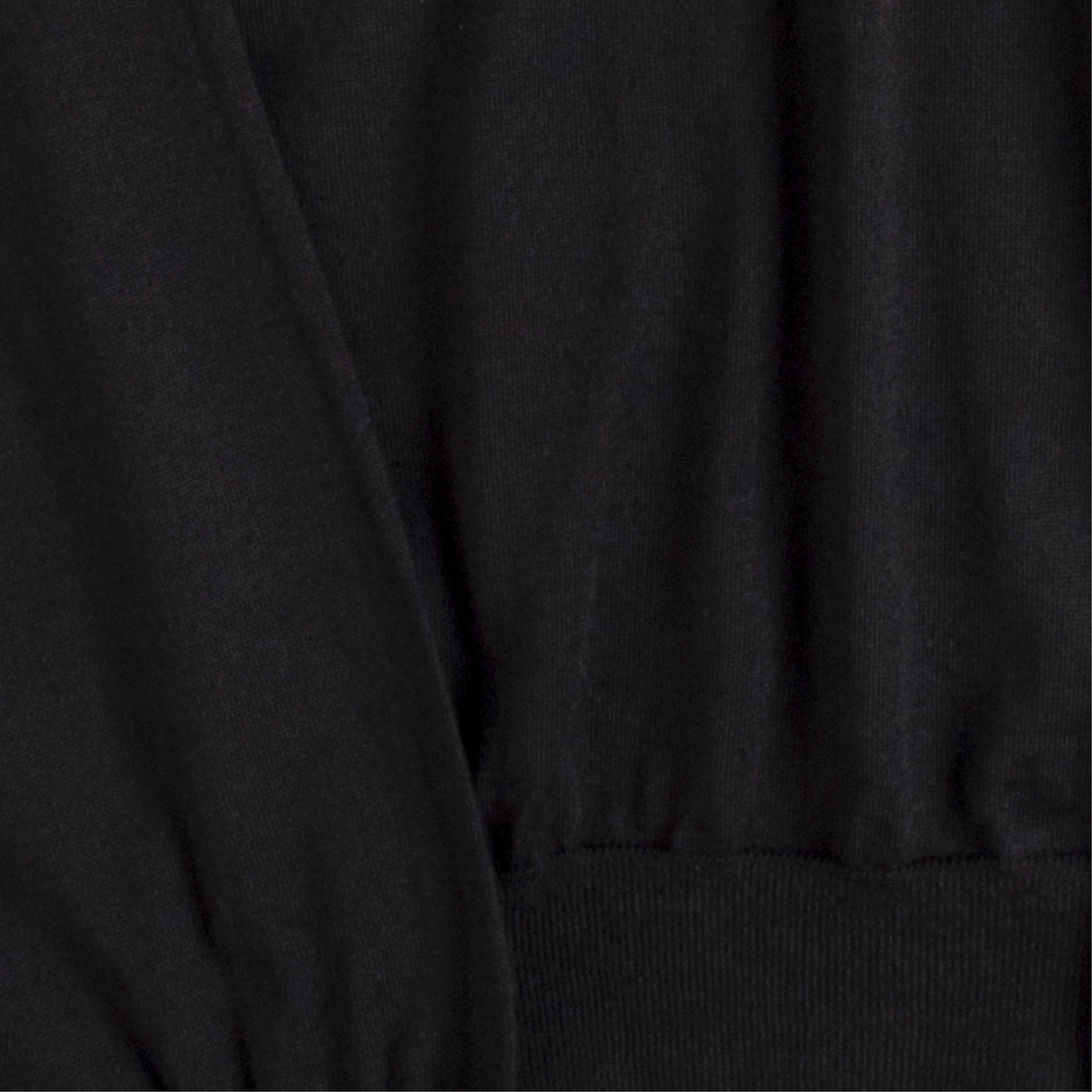 Load image into Gallery viewer, THE ROW TURTLENECK TOP BLACK