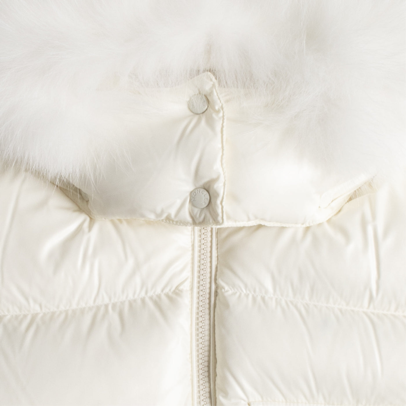 "Load image into Gallery viewer, MONCLER ""BALABIO"" VEST WHITE"