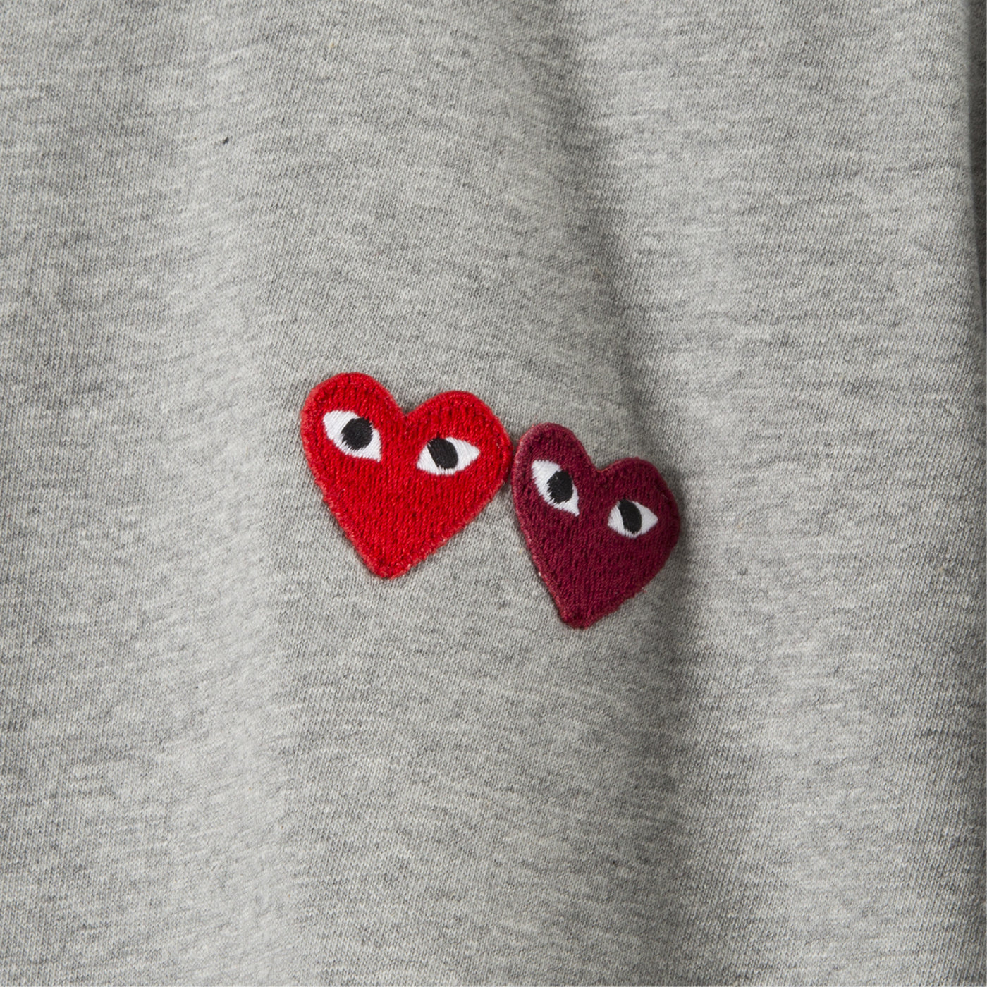 Load image into Gallery viewer, COMME DES GARCONS PLAY T-SHIRT WITH SMALL DOUBLE HEARTS GREY
