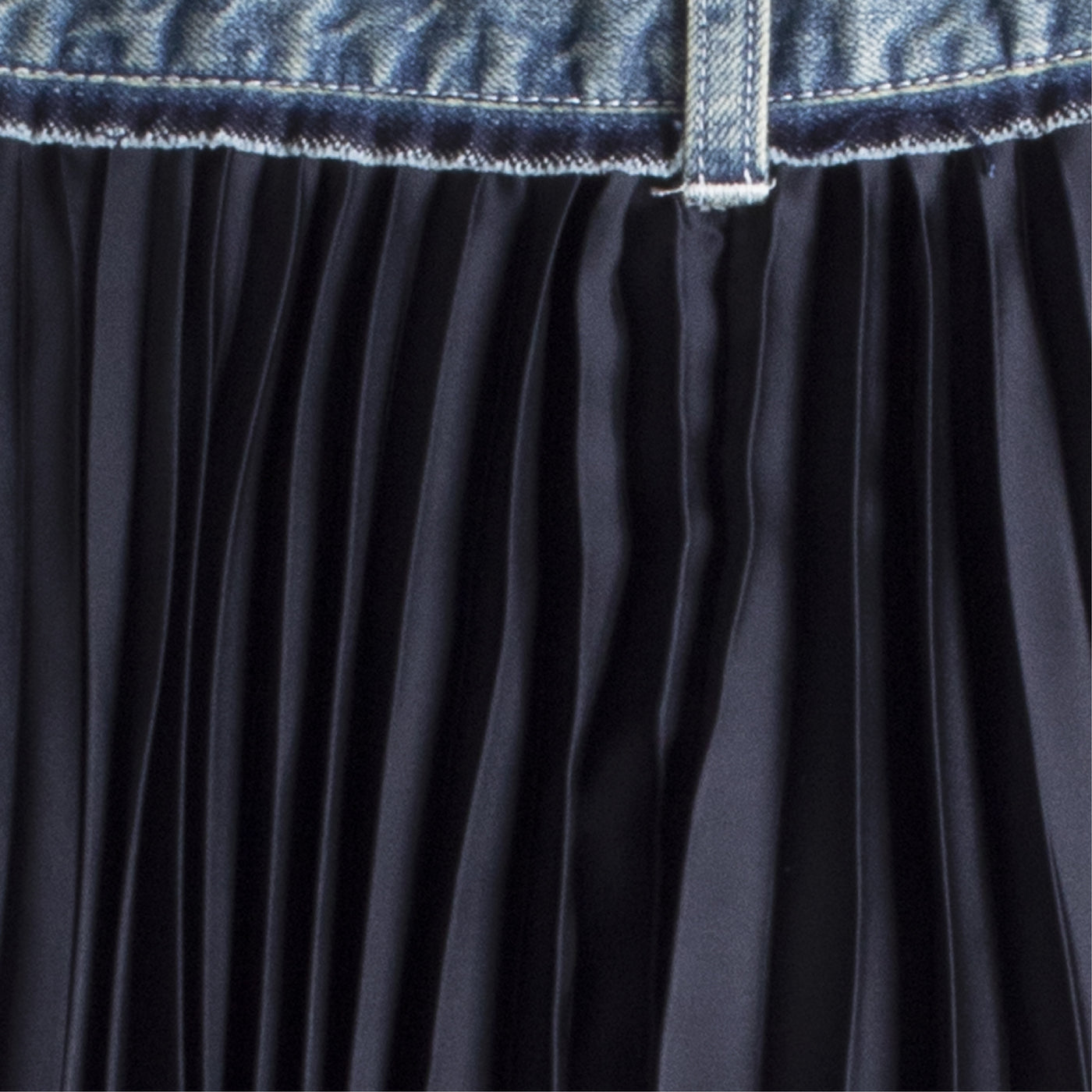 Load image into Gallery viewer, SACAI DENIM FAN SKIRT BLUE