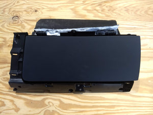 1023228-21-h - glove box complete - Surround included - 2017 Tesla S P100D