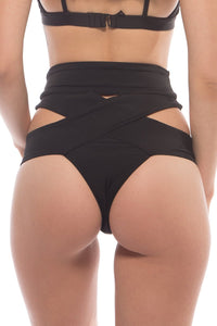 Kiki Bottoms in Black
