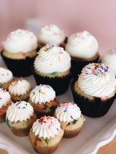 Load image into Gallery viewer, Mini Cupcakes (24 per order)