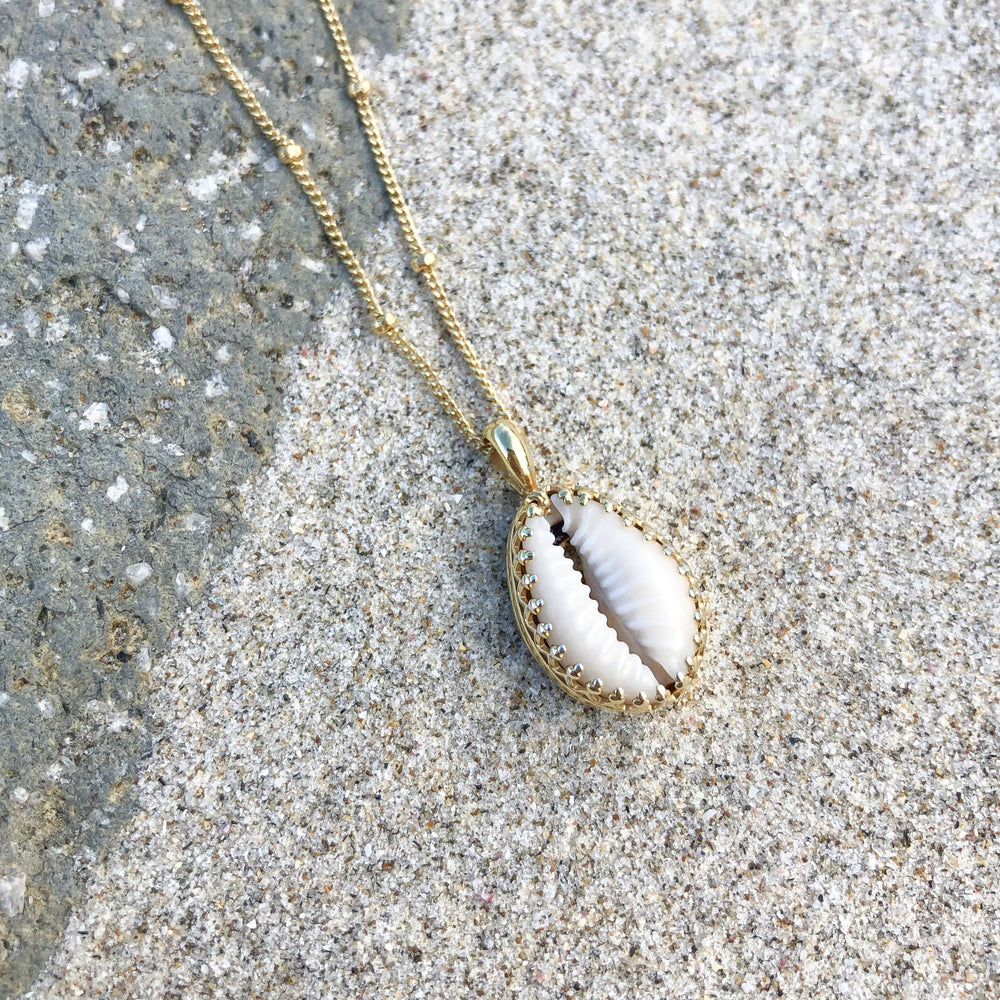 Pandawa Cowrie Shell Necklace Gold