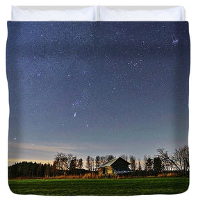 Starry Sky With Barn In The Field - Duvet Cover