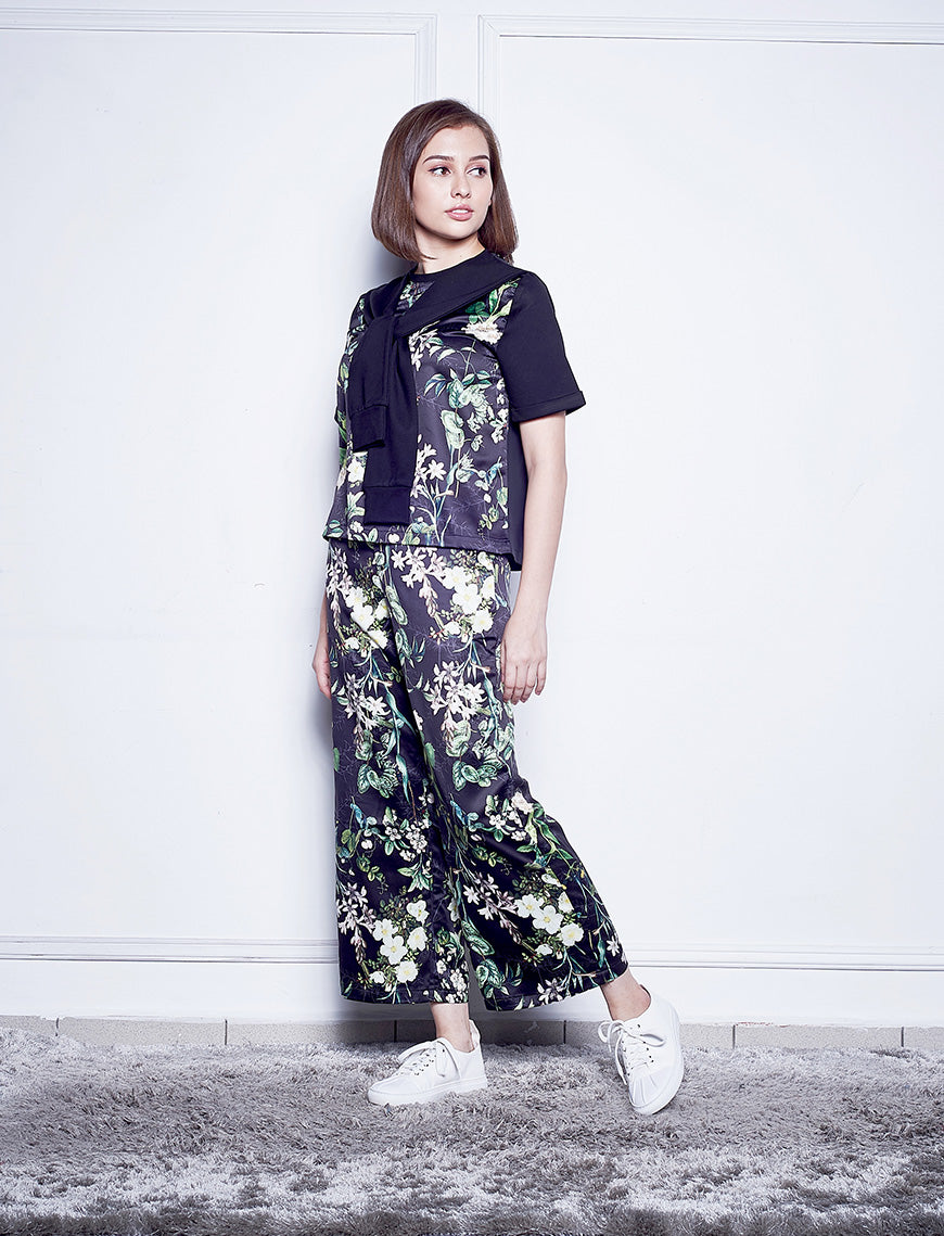 Floral Printed Top With Attached Sleeves