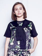 Load image into Gallery viewer, Floral Printed Top With Attached Sleeves