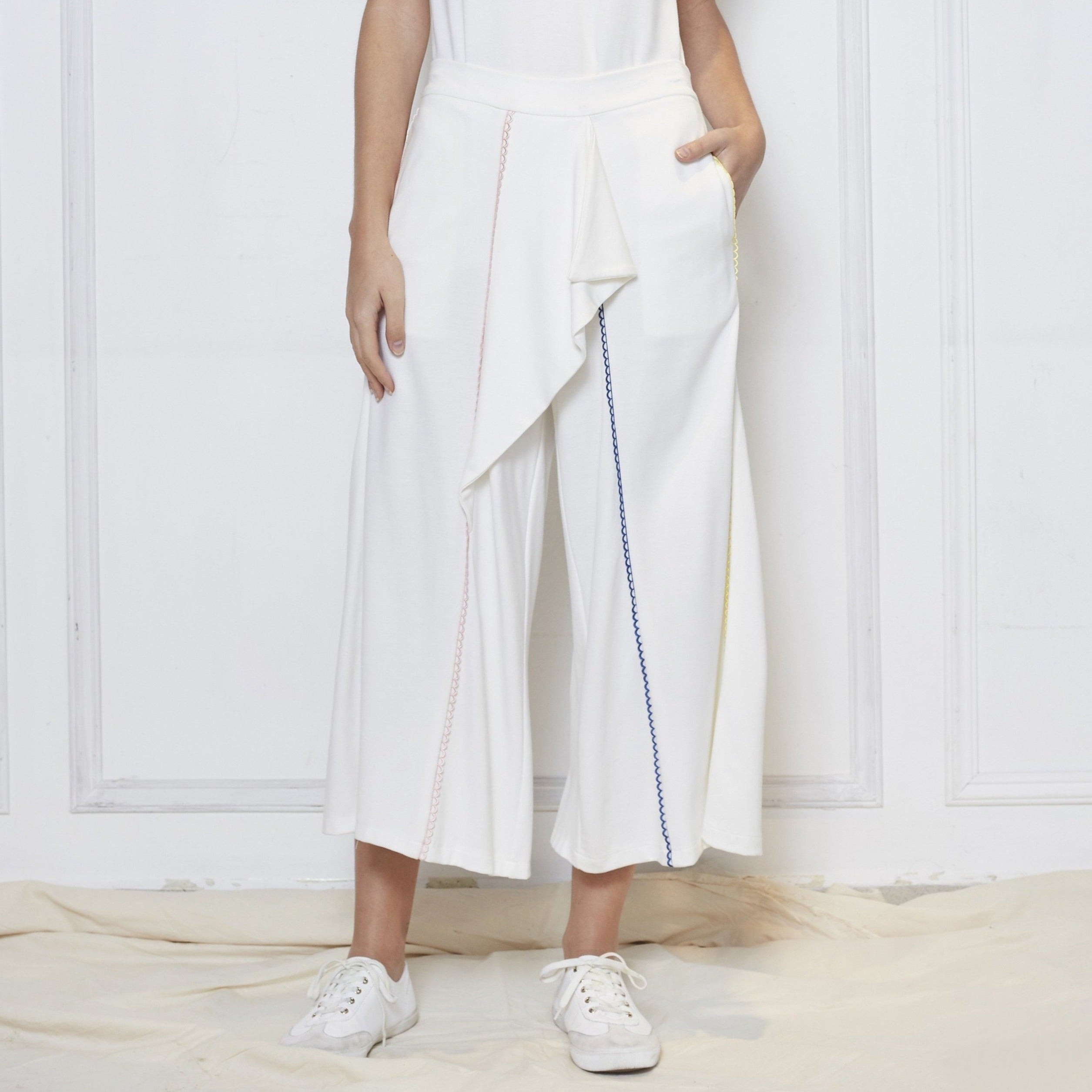 TRIO EMBROIDERED PANTS