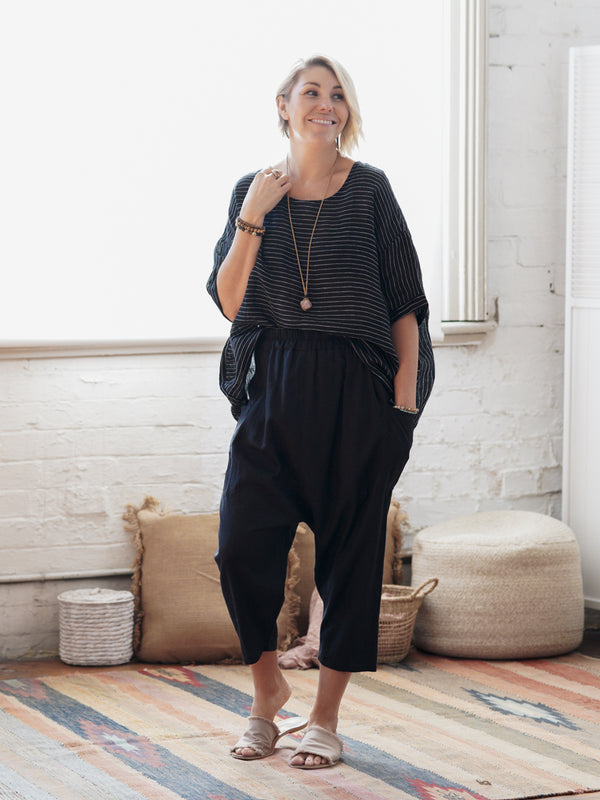 Sai - Black Linen Top