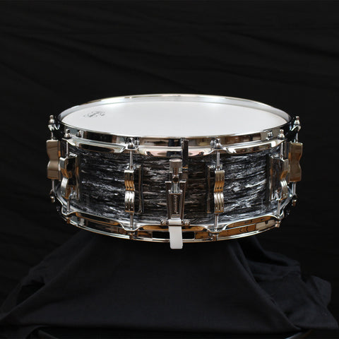 Ludwig Classic Maple Throw-Off Vintage Black Oyster