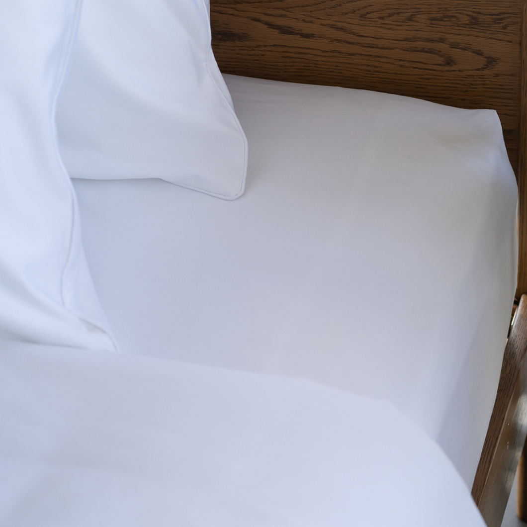 Soft & buttery-smooth cotton sateen sheets. 600 thread count, 100% pure extra long staple cotton fibres. Cotton Fitted Sheet from Singapore Weavve Home Cotton Collection.