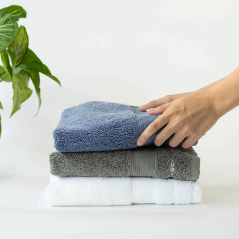 100% Combed Cotton, Lint-Free, Absorbent & Quick-Drying. Ultra soft cotton hand towels in Weavve Home Singapore Bath Collection.