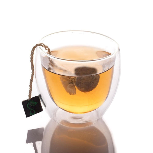 A-cup-with-green-tea-bags
