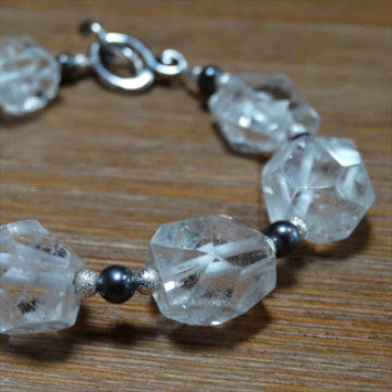 Crystal Quartz Faceted Nugget with Dark Grey Freshwater Pearl Bracelet