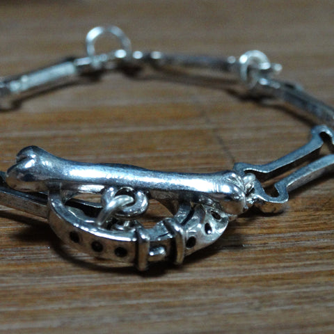 Dong Bone Outline Bracelet with Collar Clasp