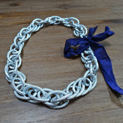Textured Aluminum Bold Chain Necklace