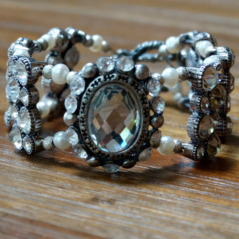 Extra Small Rhinestone and Freshwater Pearl Bracelet