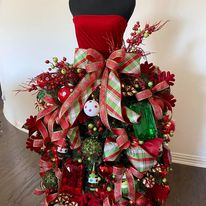 Load image into Gallery viewer, How to make a beautiful Mannequin Christmas Tree Tutorial