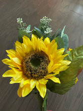 Load image into Gallery viewer, 19 IN SUNFLOWER BUNDLE