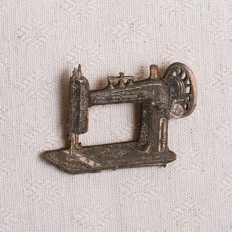 Wooden Sewing Machine Brooch
