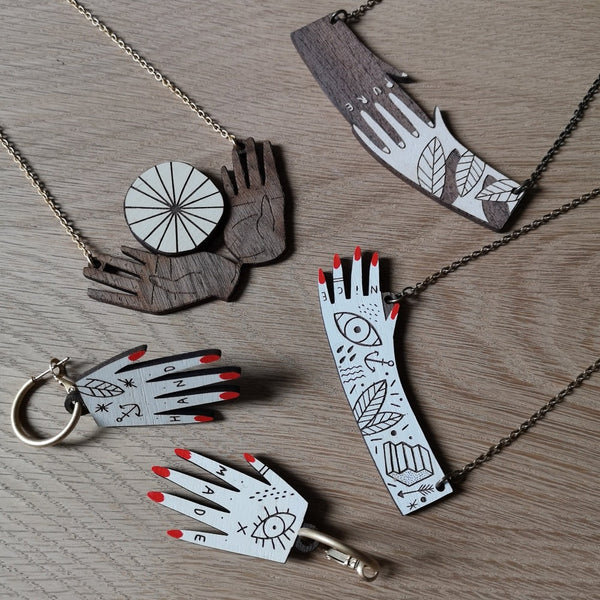 Materia Rica - Hands Collection