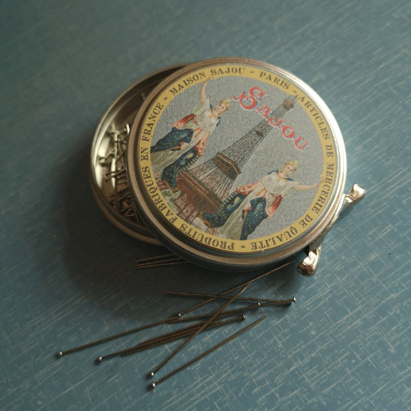 Sajou Tin With Steel Pins - Standard