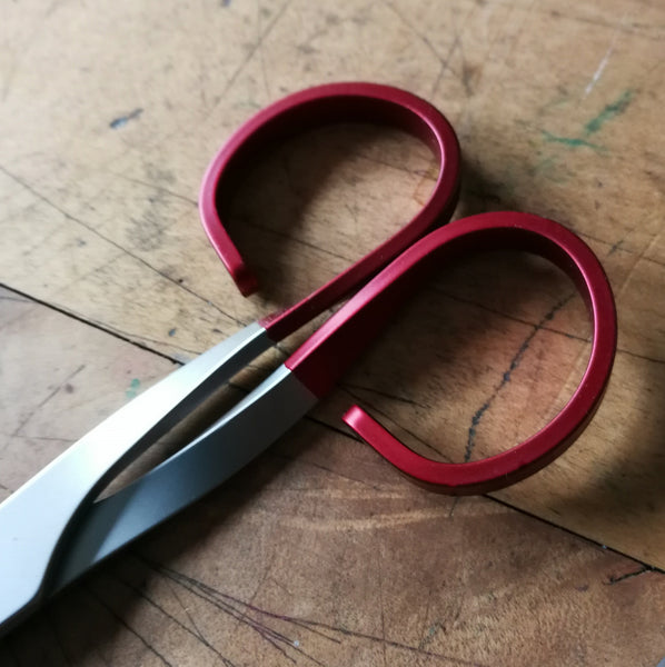 Twist Scissors - Medium