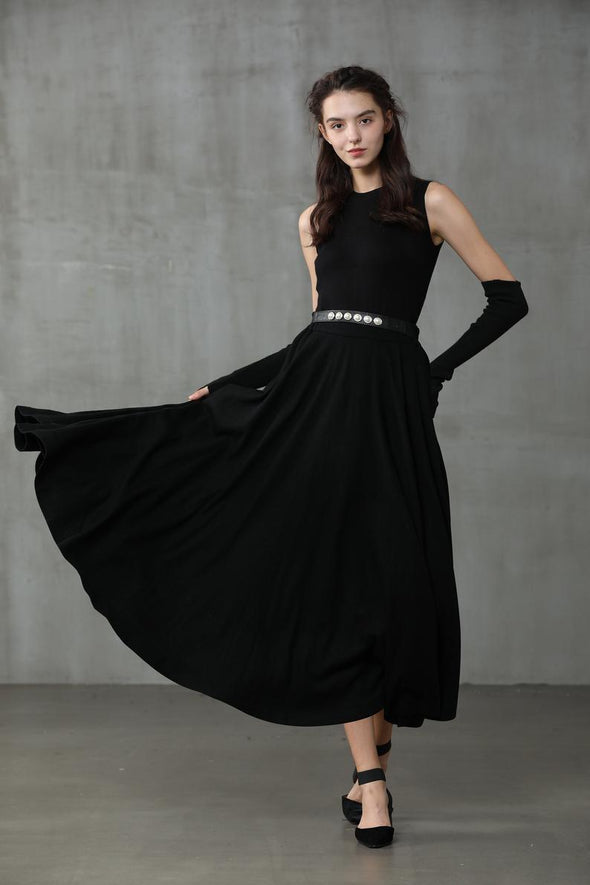 The Soft Lawn 12 | Black Wool Skirt