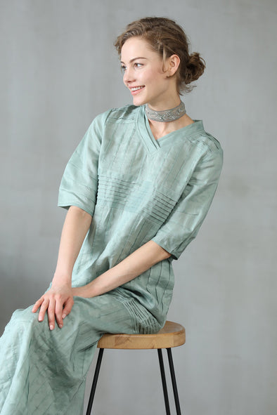 Helleborus 53 | pleated linen dress in aqua | Linennaive