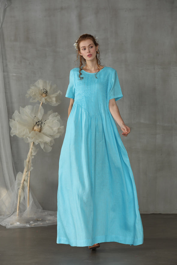 maxi pintucked linen dress in sky blue  | Linennaive®