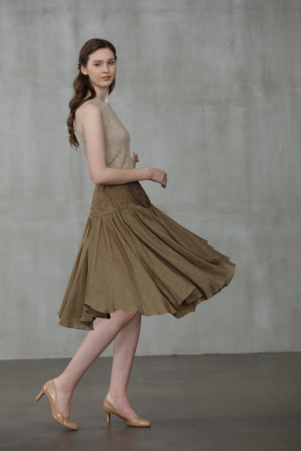 green pleated linen midi skirt | Linennaive®