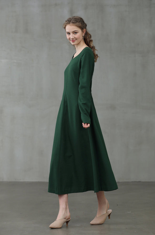 Mistletoe 17 | 100% wool dress green