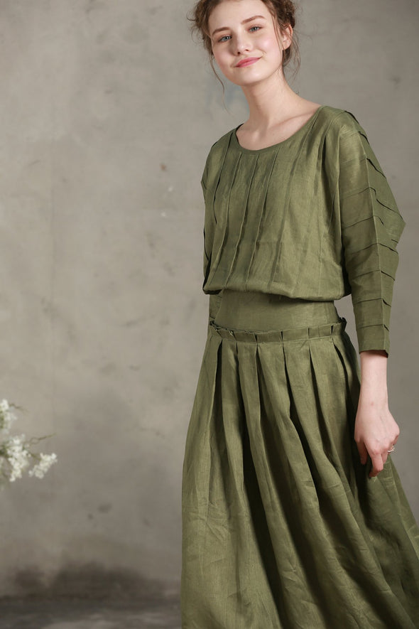 moss green loose fitting linen top | Linennaive®