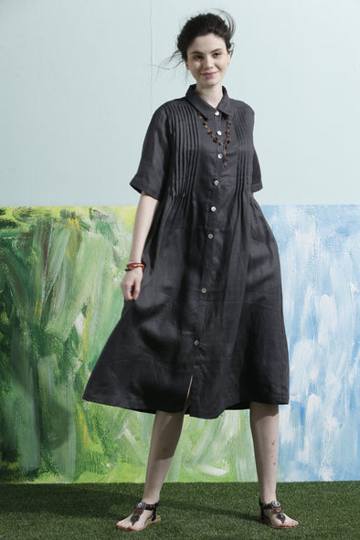 botton down linen shirt dress in charcoal | Linennaive®