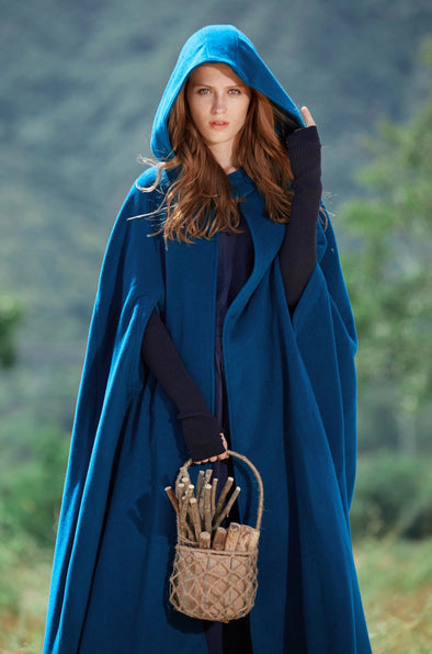 Jasmin et Cigarette 05 | Wool Cloak Cape, Maxi Poncho
