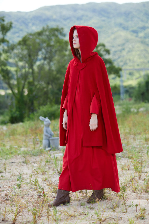Life of Pi 05 | Red Hooded Cloak