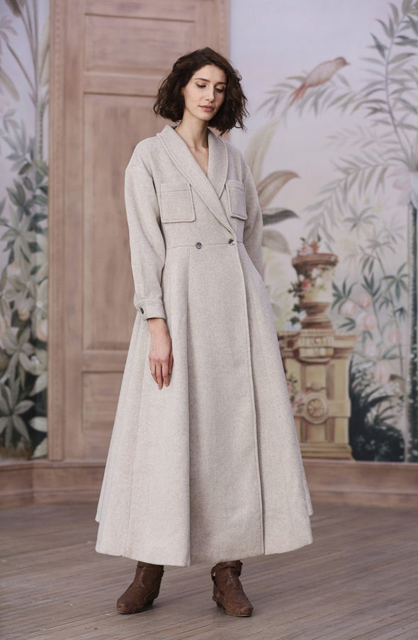 Pride and Prejudice 68 | 100% Cashmere Coat in seashell