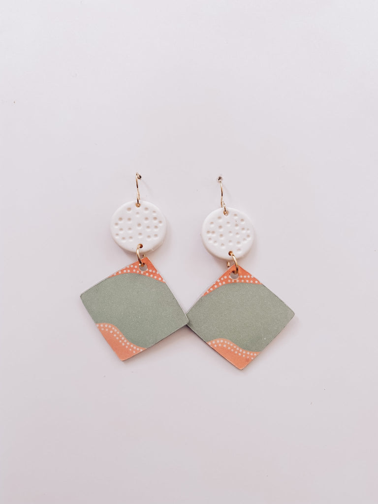 Roots and Mirrigal Small Flow Hanging Earrings - Green/Peach