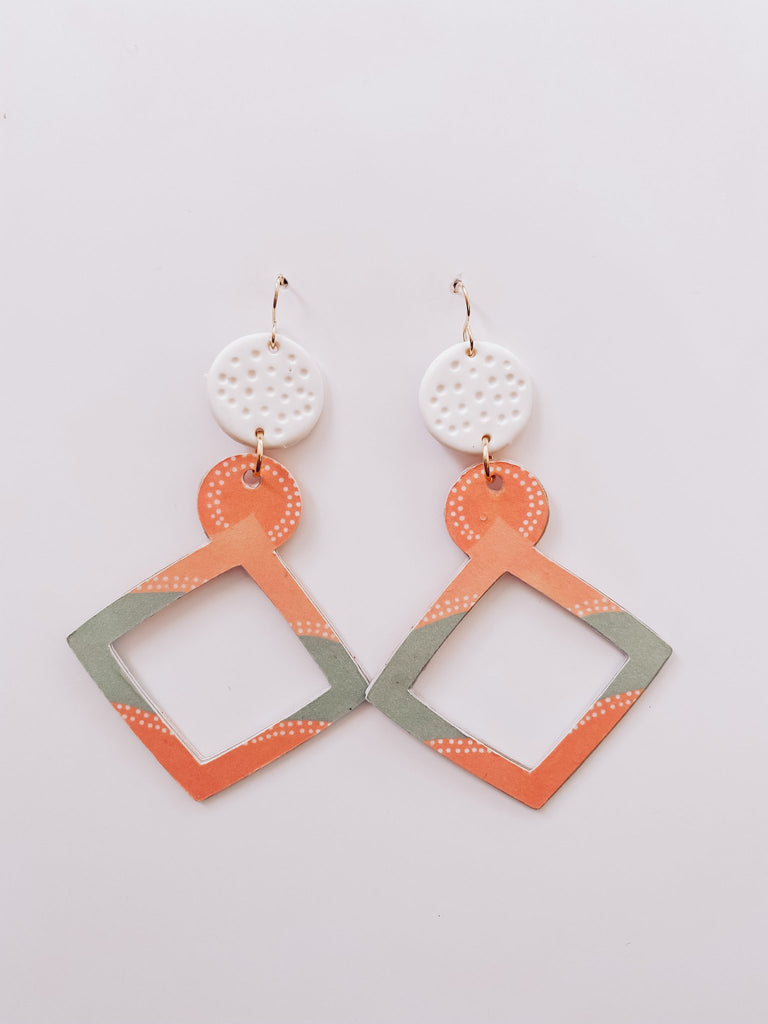 Roots and Mirrigal Large Flow Hanging Earrings - Green/Peach