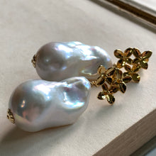 Load image into Gallery viewer, AAA Large White Baroque Pearls