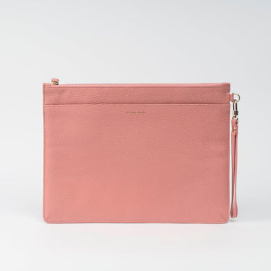 LEATHER WRISTLET POCHETTE