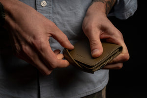 MAN LEATHER CARD HOLDER