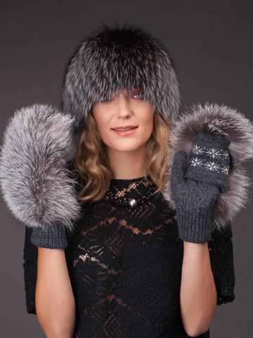 Knitted Gray Wool Mittens With Silver Fox Fur