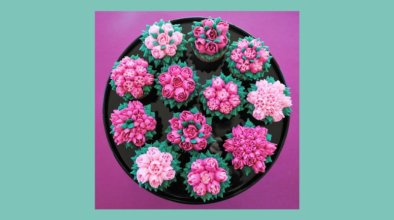 Russian Tips & Buttercream Cupcakes $175