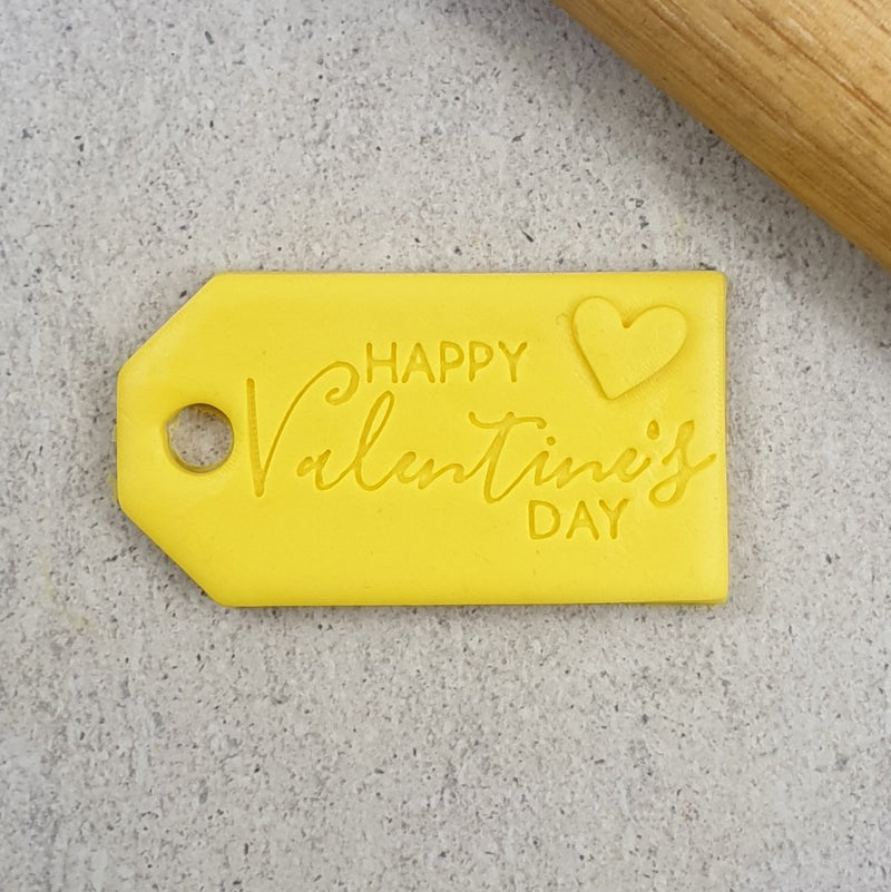 Cutter & Embosser Set - Happy Valentines Day Gift Tag 3D