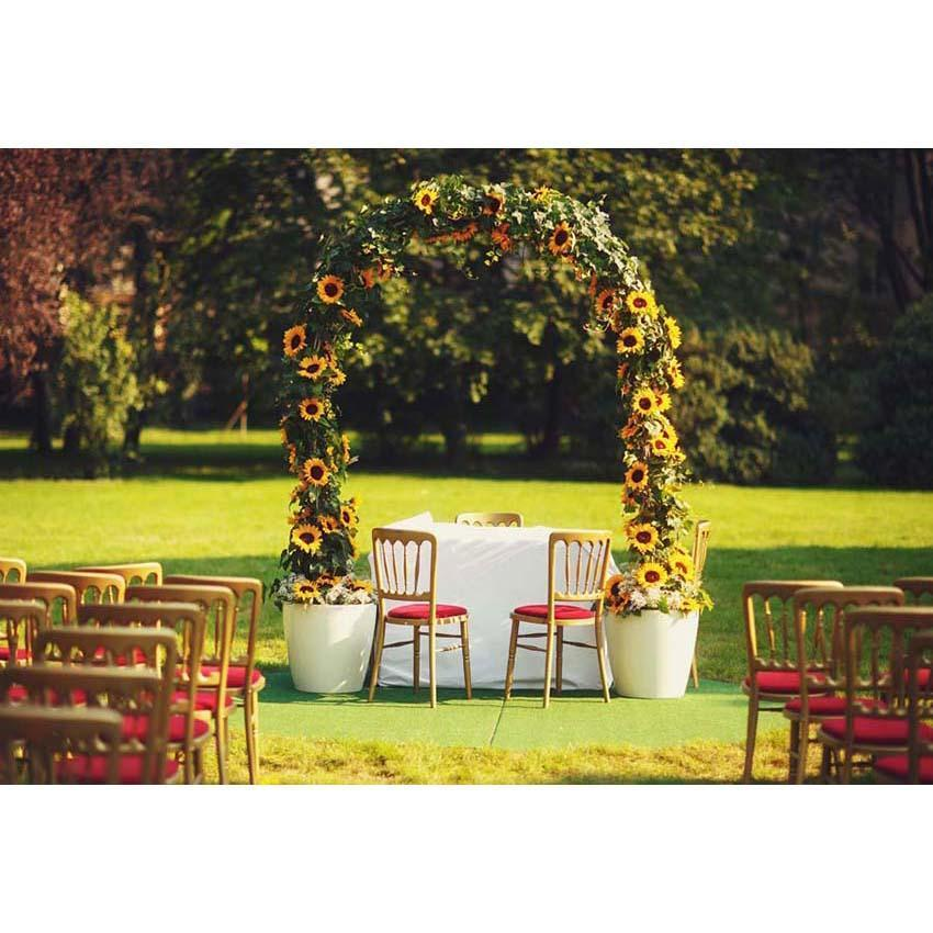 Green Grass and Yellow Sunflower Arch Backdrop for Weeding Ceremony Photography